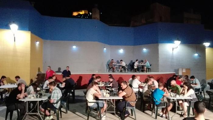 plaza-nocturno